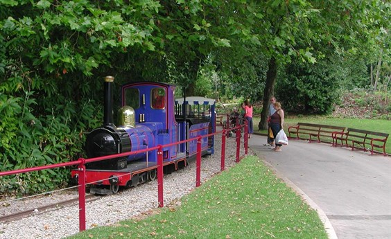 Queen's Park miniature train