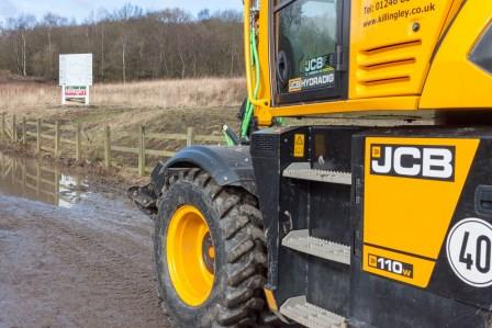 jcb-on-site-at-peak-resort