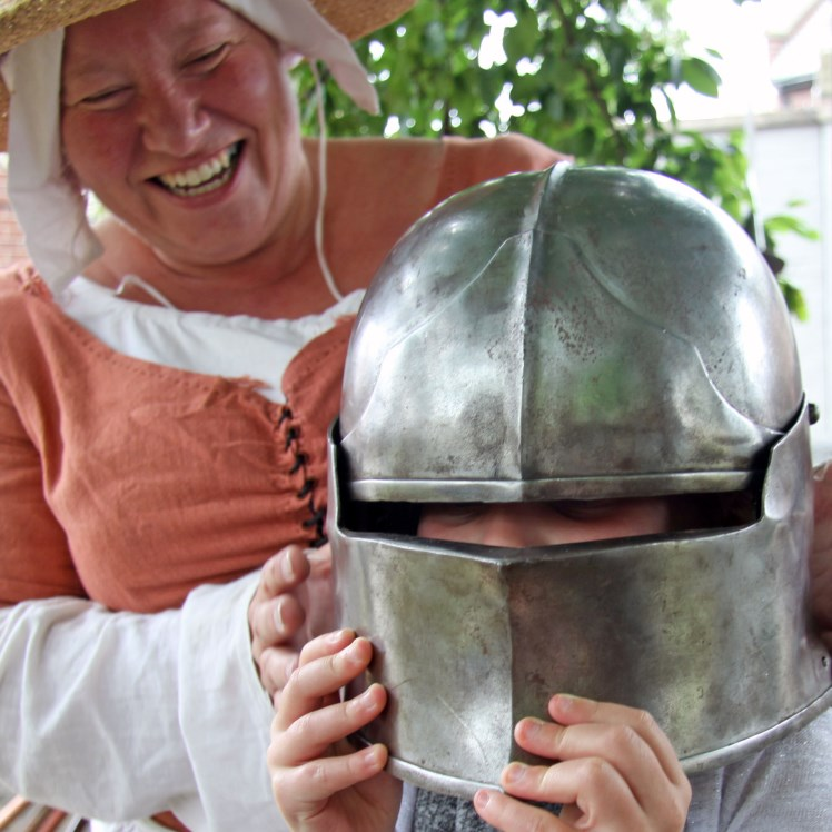 Thousands celebrate Chesterfield's medieval past